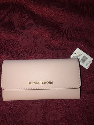 MICHAEL KORS WALLET for Sale in Garden Grove, CA