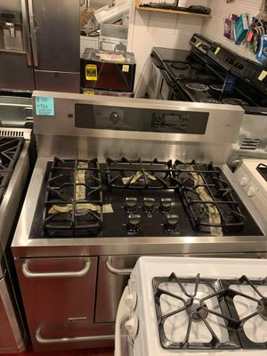 Used excellent condition Kenmore elite 5 burners dual fuel stove for Sale in Arbutus, MD