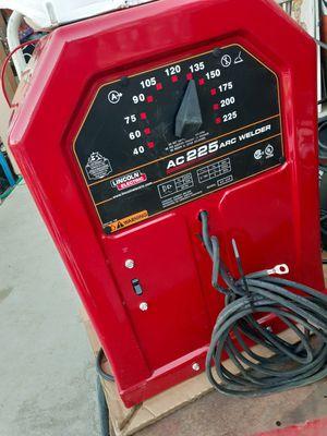 LINCOLN ELECTRIC AC 225 STICK NEW for Sale in San Bernardino, CA