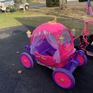 24 Volt Princess Carriage for Sale in East Greenwich, RI