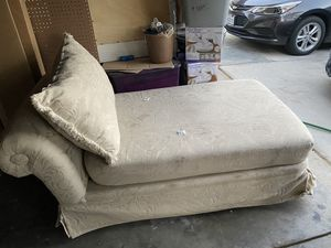 Love seat for Sale in Fresno, CA