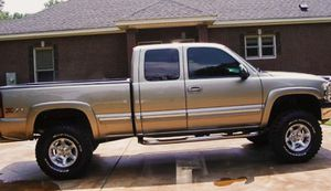 $1000 Low Price! 2002 Chevy Silverado/Runs//great for Sale in Dayton, OH