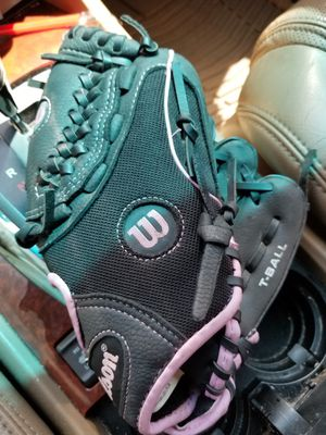 "10"" kids baseball glove Wilson broken in for Sale in Bellflower, CA"