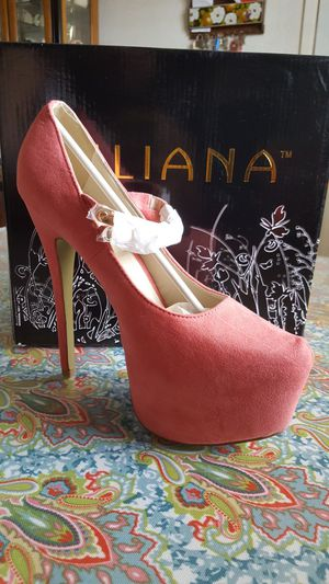 NEW CORAL HIGH HEEL for Sale in Phoenix, AZ