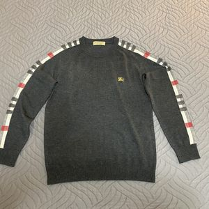 Burberry Sweater Size Small for Sale in Brooklyn, NY