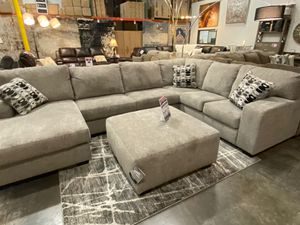 Sectional Sofa, Platinum, # 80702 for Sale in Santa Fe Springs, CA