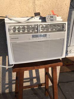 6000 Btu Frigidaire Air Conditioner Comes Remote Control for Sale in Banning,  CA