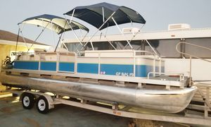 1998 Sweetwater 26' pontoon boat for Sale in Hesperia, CA