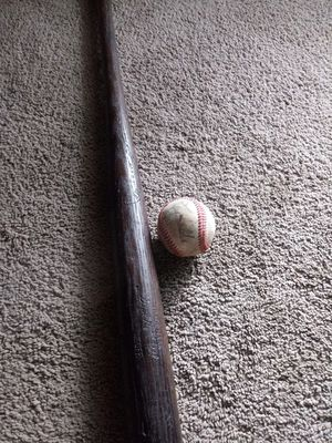 Old Unknown signed baseball and 29 inch bat for Sale in Swatara, PA