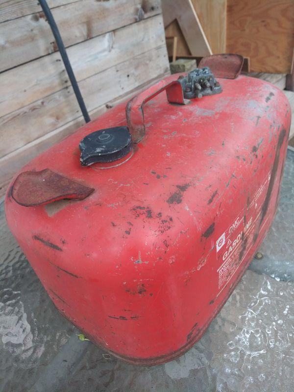 Vintage OMC outboard motor 5 gallon gas tank
