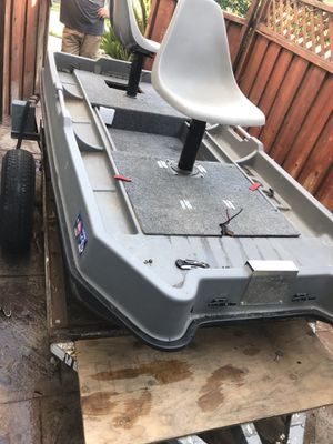 Sundolphin sportsman boat with trolling motor for Sale in Brentwood, CA