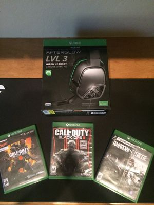 Game and headset bundle for Sale in Chandler, AZ