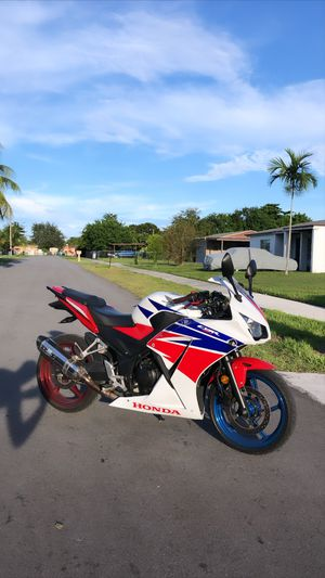 2015 Honda CBR 300R for Sale in Miami, FL