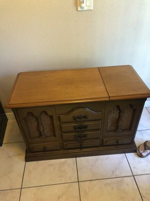 1970s zenith record player/radio cabinet for Sale in Spring Hill, FL