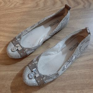 Michael Kors snakeskin leather shoes for Sale in Stanwood, WA