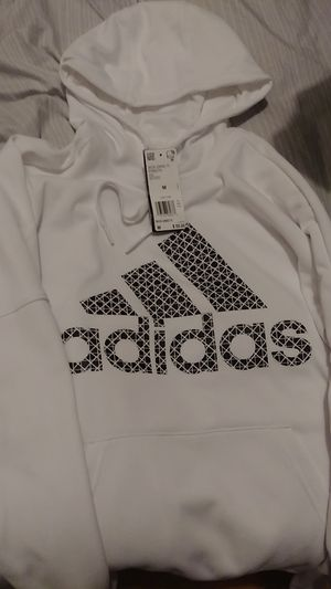White Adidas sweater for Sale in Lakewood, CA