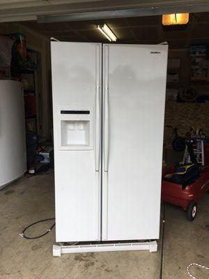 Samsung fridge/freezer combo FREE for Sale in Hubbard, OR