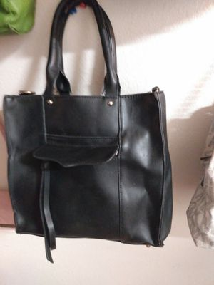Large black purse like new call {contact info removed} for Sale in Florissant, MO
