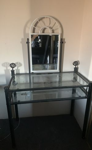 Makeup vanity for Sale in El Cajon, CA