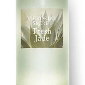 Victoria's Secret Fresh Jade Fragrance Mist for Sale in Monroe Township, NJ