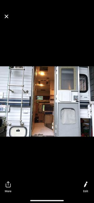 Skyline Weekender camper for Sale in Lake Stevens, WA