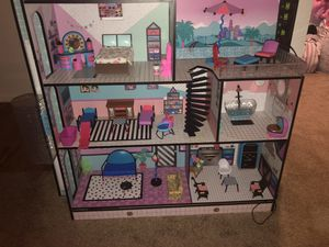 Lol surprise doll house (classic edition) for Sale in Rancho Cucamonga, CA