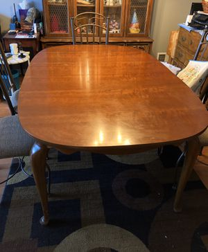 Dining room table for Sale in Roseland, NJ