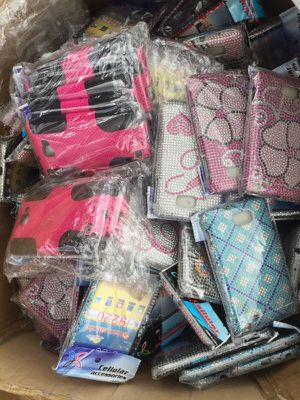 Cellphone cases and screen protector ,wholesale. Must go!!! for Sale in Pompano Beach, FL