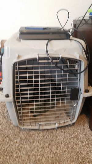 Medium size dog crate for Sale in Columbia, MO