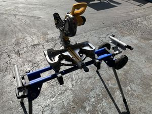 """Dewalt 7.25"""" cordless mitre saw 20V max w/ stand, charger, & 5ah battery for Sale in Pompano Beach, FL"""