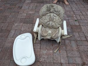 High chair for Sale in Honolulu, HI