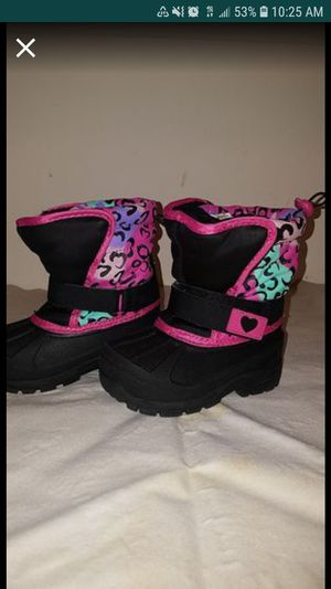NEW toddler girl boots size 7 for Sale in Birmingham, MI