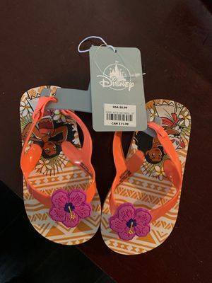 Moana sandals 7/8 for Sale in Fontana, CA