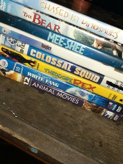 Lot 8 DVDs Cheap for Sale in Orlando,  FL