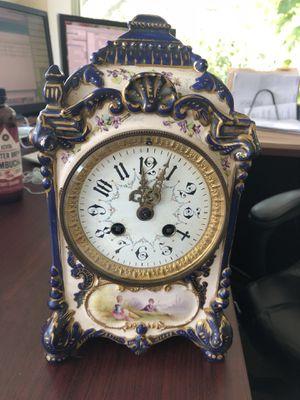 Antique clock, no knowledge of functionality, worth, origin, etc. for Sale in Orlando, FL