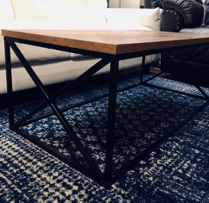 New Safdie&Co. Brown w/Black metal coffee Table. PICK UP BY ASHLAN AND TEMPERANCE IN CLOVIS for Sale in Clovis, CA