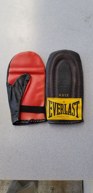 Everlast speed bag gloves for Sale in Seattle, WA