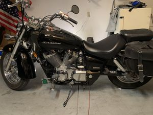 2009 Honda shadow 750. 4500 miles. Soft bags. Windshield. for Sale in Las Vegas, NV