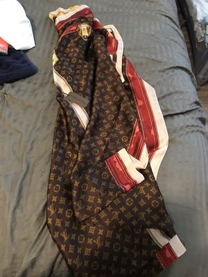 Louis Vuitton scarf brand new for Sale in Plant City, FL