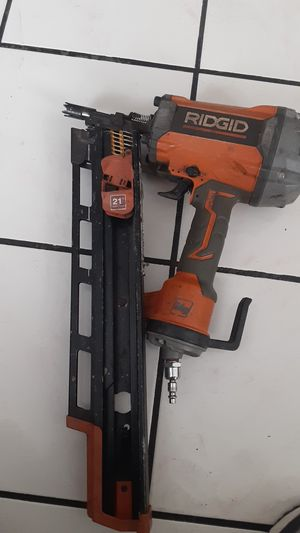 Pistola para clavos 16 marca ridgid for Sale in Los Angeles, CA
