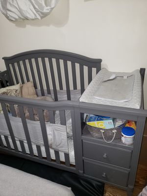 Grey crib for Sale in Queens, NY