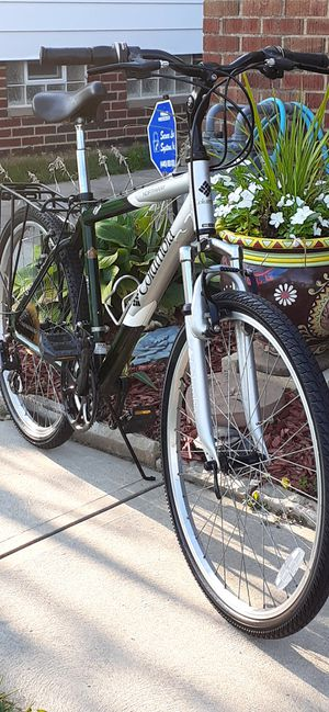 """Like New 26"""" Columbia Northway Hybrid bike 18"""" Med frame size for Sale in Parma, OH"""