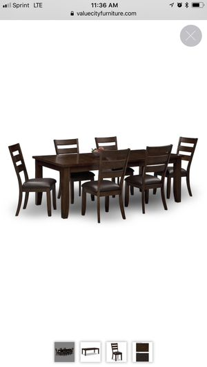 Dining room table seat 6ppl for Sale in East Saint Louis, IL