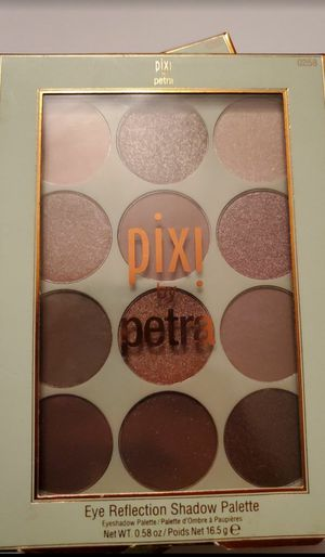 Pixi by petra eye shadow for Sale in Las Vegas, NV