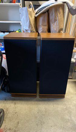 Vintage Marantz Upright Speakers for Sale in Vancouver,  WA