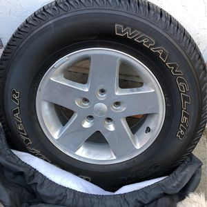 Jeep Single Rim And Wheel for Sale in Newark, CA