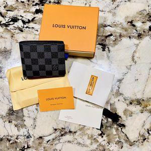 Louis Vuitton Wallet New for Sale in Auburn, WA