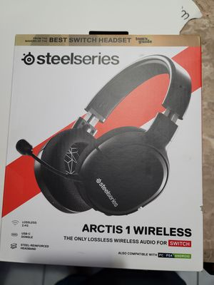 New sealed arctis 1 wireless headset for Sale in Hollywood, FL