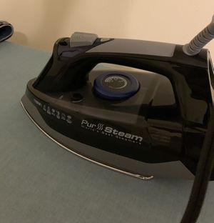 Steam iron for Sale in Pittsburgh, PA