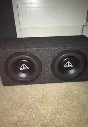 2 10s comes with amp for Sale in Lutz, FL